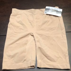 Jockey skimmers slip short.  New.  Size m